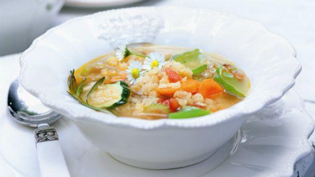 Zeleninová polévka s červenou čočkou | Prima Fresh