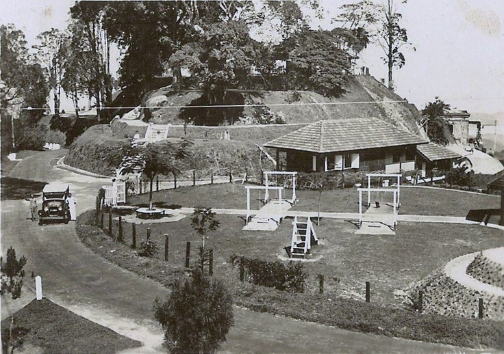 This shows the old children's play area at the top of Penang Hill, also known as Bukit Bendera. The playground has now gone and the area is occupied by several makan(food) and souvenir stalls.