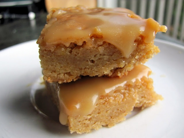 Browned Butter Snickerdoodle Blondies with Butterscotch SauceDesserts, Snickerdoodles Blondies, Cookies, Recipe, Butter Snickerdoodles, Butterscotch Sauces, Brown Butter, Baking, Sweets Tooth
