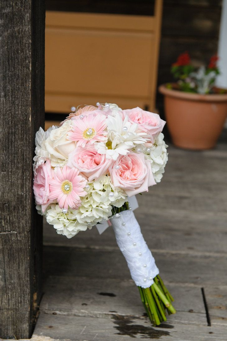 Daisy, Hydrangea and Rose Pastel Bouquet   Pipers Photography, LTD https://www.theknot.com/marketplace/pipers-photography-ltd-lewis-center-oh-663424   Whimsy Weddings and Events   Leigh Zeidner Pictures https://www.theknot.com/marketplace/leigh-zeidner-pictures-columbus-oh-489805
