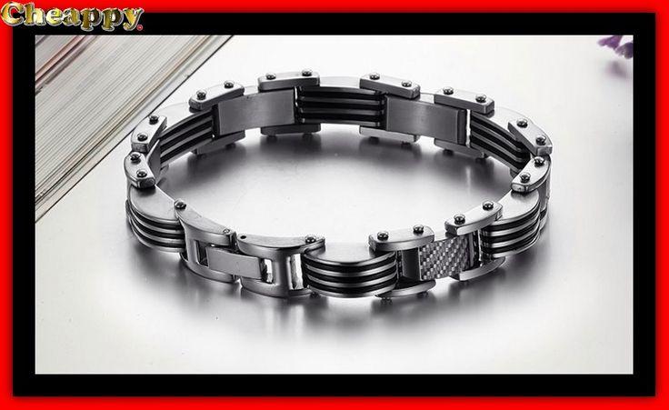 Mooie armband zilverkleurig ingelegd met stukjes koolstof vezel