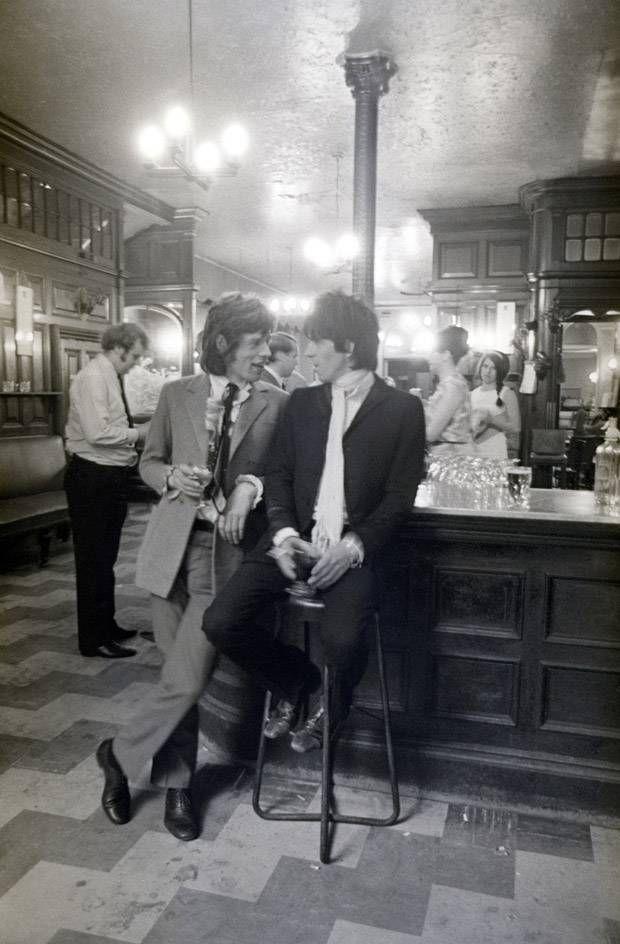 Mick & KeithMusic, Keith Richards, Vintage, Rolling Stones, The Rolls Stones, London Pub, Rocks, Bar Drinks, Mick Jagger