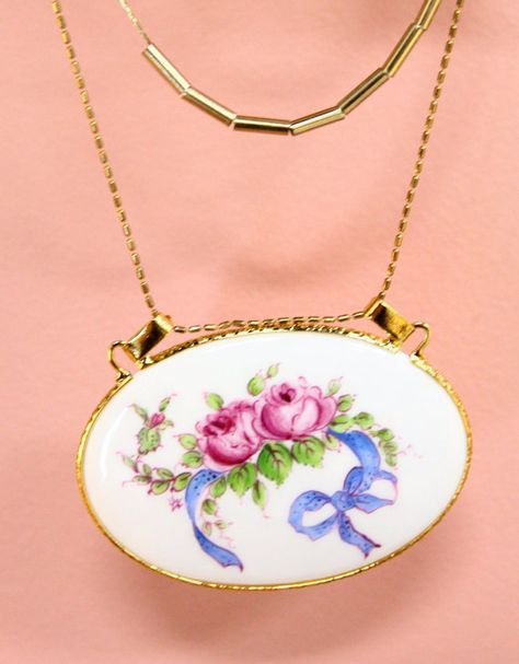 Hand Painted Pendant for the Necklace with 3 different shapes