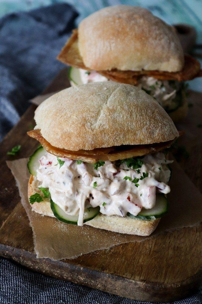 Den Bedste Kyllingesalat Sandwich Med Pulled Kylling Og Sprødt Skind – One Kitchen – A Thousand Ideas