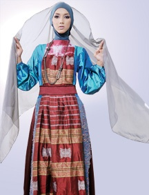 songket aceh    http://www.noor-magazine.com/2011/12/all-4-one-one-4-all/
