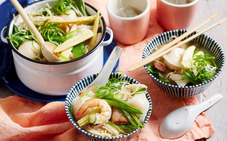 This is a quick and easy version of the classic Chinese recipe for combination long and short soup with noodles, pork, prawns, seafood and dim sims.