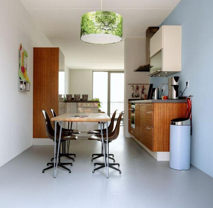 Foto: Motion gietvloer in keuken en eetkamer. Gietvloer grijs in keuken en eetkamer . Geplaatst door motiongietvloeren op Welke.nl