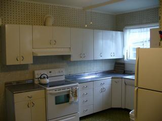 Youngstown white metal kitchen cabinets circa 1956 these for Kitchen cabinets youngstown ohio