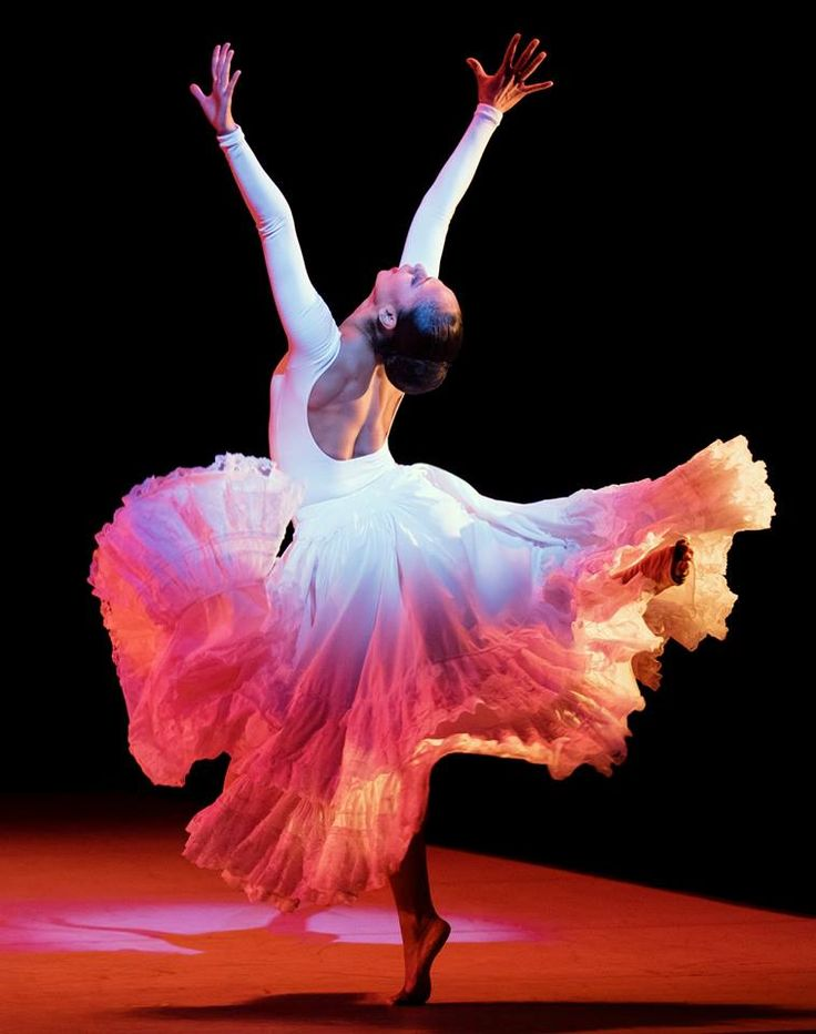 Linda Celeste Sims in Alvin Ailey's 'Cry.' Photo by Paul Kolnik