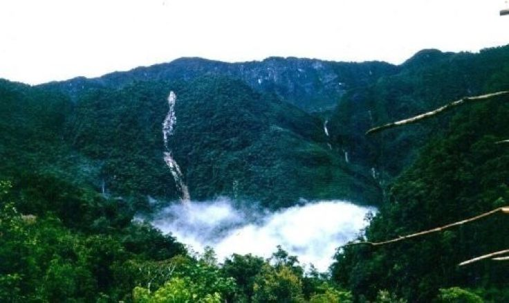 The Star Mountains are another natural gem of Western Province. These incredible mountains are not only beautiful but are the initial source of the Fly River.  http://www.pagahillestate.com/the-natural-beauty-of-western-province/