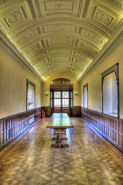 The Long Gallery Hall Place! by TRM-photography.co.uk, via Flickr
