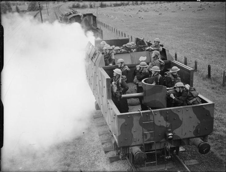 Coastal defence trains at Saxmundham in 1940, courtesy of the Imperial War Museum, UK