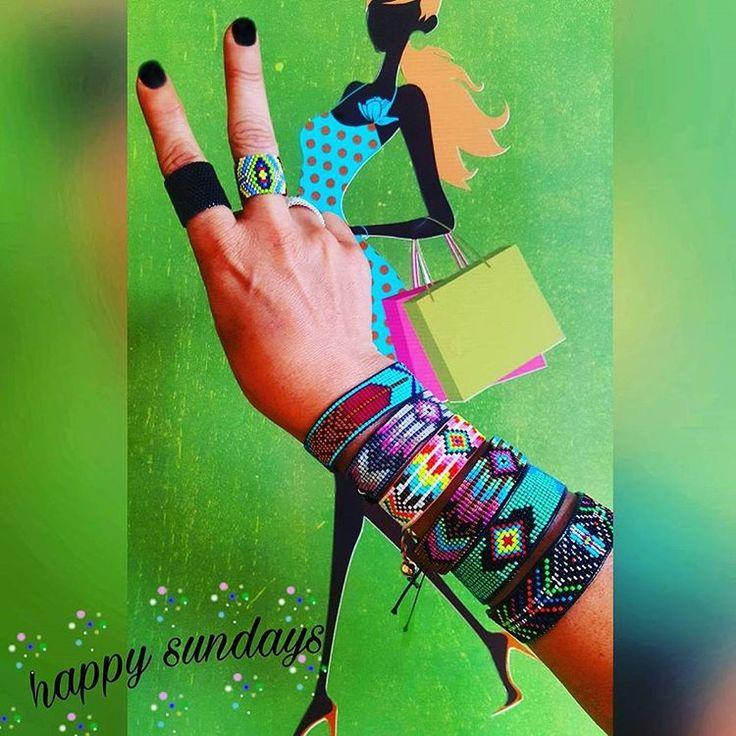 HAPPY SUNDAYS���� MUTLU PAZARLAR���� Colorful handmade beaed bracelets for summer���� Rengarenk en kaliteli cam boncuklardan kristallerden el yapımı binbir çeşit bileliklik...isterseniz adres #nilimoondesign  #sundayfunday #handmade #wearableart #design #aztec #boho #colorful #bracelets #accessories #jewelry #summer #elişi #takı #love http://turkrazzi.com/ipost/1524800236131596761/?code=BUpLbxsDjnZ