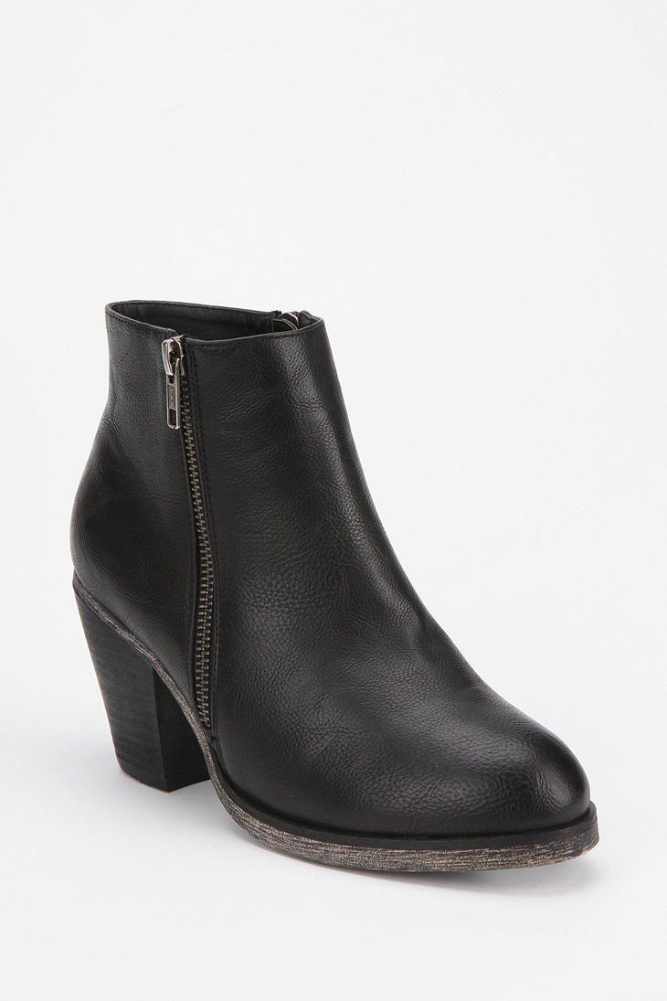 Ecote Eliana Double Zip Boot #UrbanOutfitters