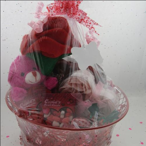 28 best Gift Baskets images on Pinterest | Fudge, Hershey's kisses ...