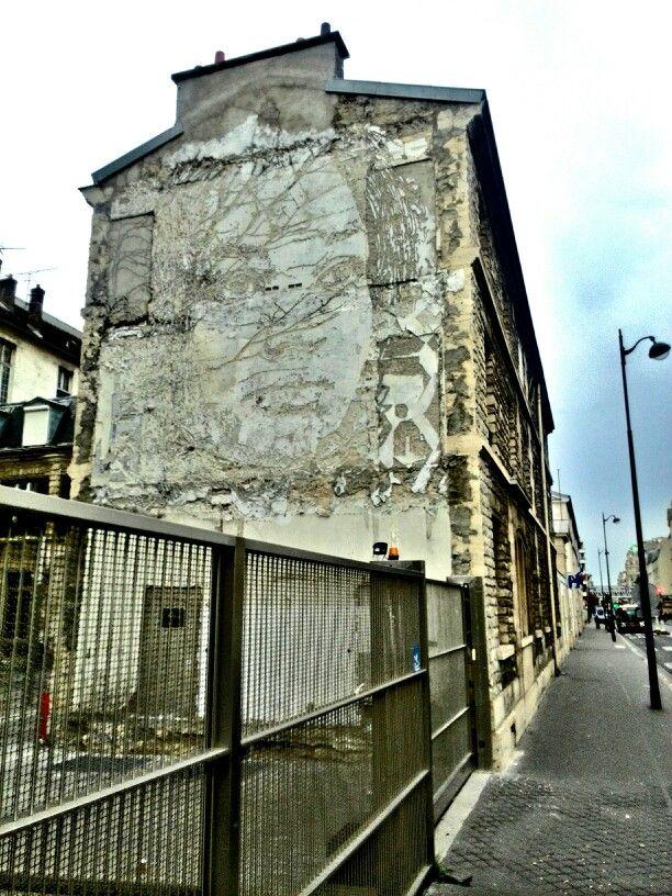 Vhils - street art - Paris 15, hopital necker, rue de sevre (oct 2014)