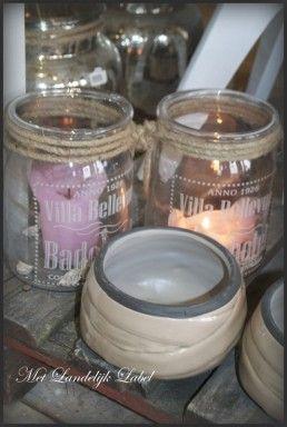 Mooie gloed van roze kaarsen