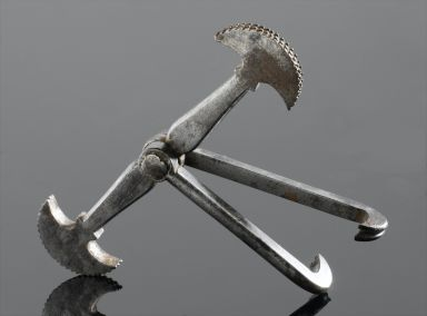 7000 BC - The Bow Drill Era Dentistry got its start in the Indus Valley of India and Pakistan. These industrious would-be dentists were master beadmakers who used bow drills to cure tooth problems. This is also the first appearance of dental assistants, whose duties consisted of restraining the
