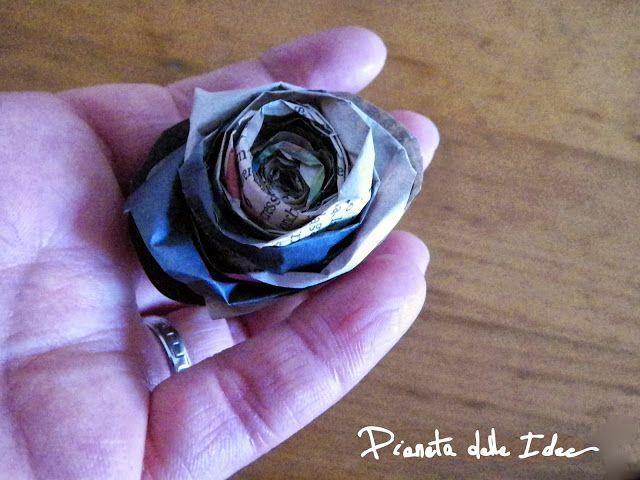Video Tutorial - Una rosa con la carta di giornale! ~ Pianeta delle Idee