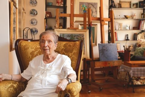 Eyüp Çeşitlemeleri, Bebek Sırtları gibi yapıtlarındaki özgün dili, renk anlayışıyla hafızalara kazınan Türk resim sanatının yaşayan en eski ustalarından Naile Akıncı 90. yaşı ve 75. sanat yılında yeni bir sergiyle çıkıyor karşımıza. Kızıltoprak Sanat Galerisi'nde açılan sergide Akıncı'nın 1998 – 2013 yılları arasında ürettiği ve özel koleksiyonunda bulunan otoportre ağırlıklı yapıtları yer alıyor. 12/11/2013