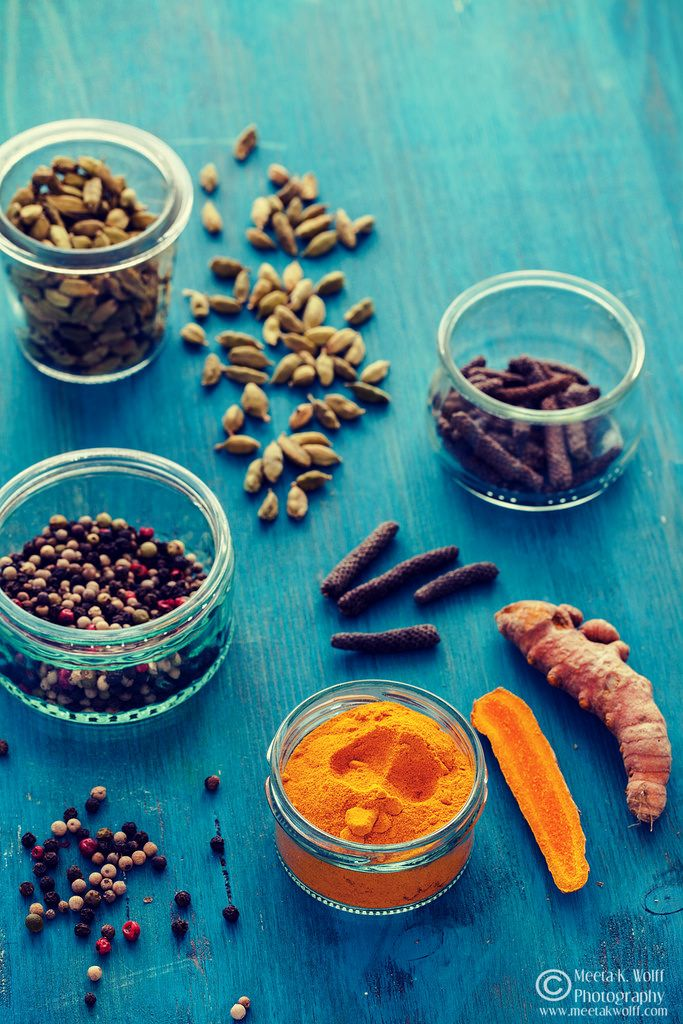 Spice Infusions 2: Journeying the spices in this post with cardamom, turmeric and peppercorns (Image: Meeta K. Wolff)