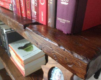 Estantes de madera recuperada del faux