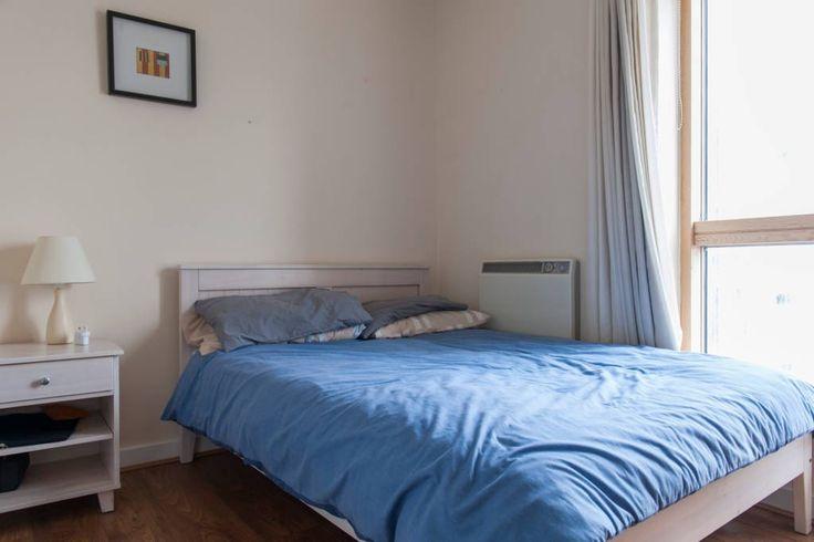 Lihat berbagai tempat luar biasa ini di Airbnb: En-suite room close to Dublin's business hub - Apartemen untuk Disewakan di Ringsend
