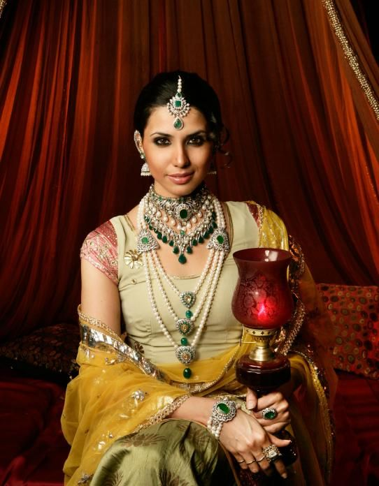 Beautiful jewelery. Need a big fat indian wedding to bring these out!