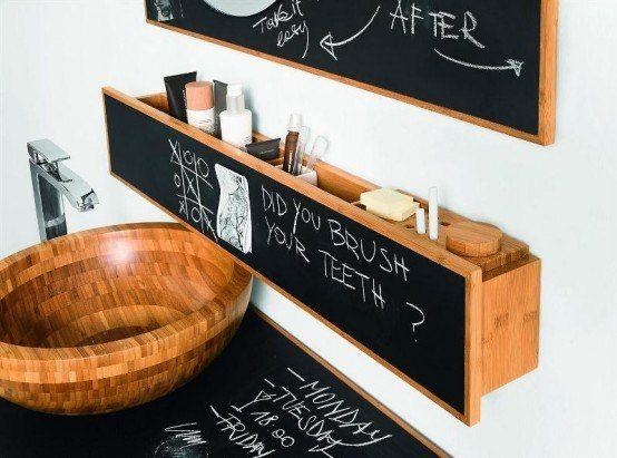 Дизайнер Альберто Демель разработал необычную  мебель для ванной комнаты, на которой можно делать надписи мелом: записывать планы на день или оставлять сообщения домочадцам.  Большой выбор мебели для ванной комнаты смотрите на сайте -http://santehnika-tut.ru/mebel-dlya-vannoj/