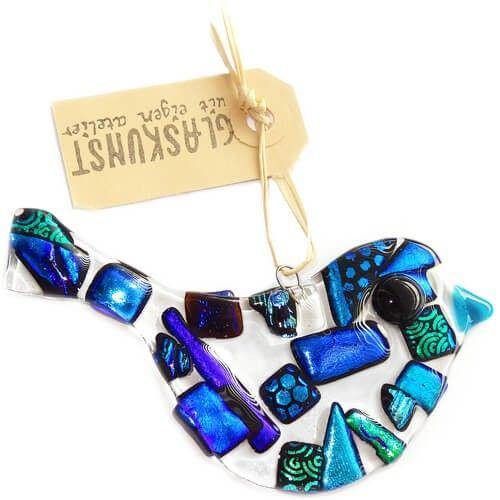 Heldere glazen vogel met luxe blauw en groene accenten. Originele glazen decoratie hanger!