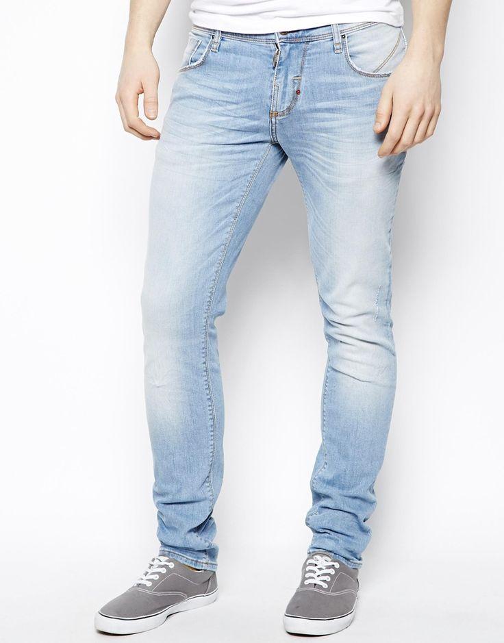 €135, Hellblaue Jeans von Antony Morato. Online-Shop: Asos. Klicken Sie hier für mehr Informationen: https://lookastic.com/men/shop_items/137701/redirect