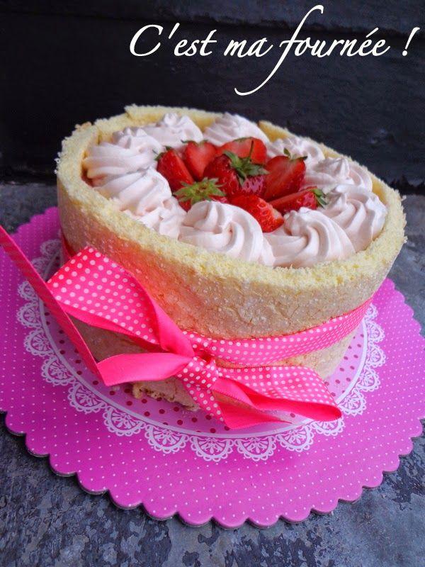 La charlotte aux fraises d'Olivier Bajard - Une recette classique: la charlotte aux fraises, dans une version rafraîchissante et parfumée, grâce à son bavarois et à la magic touch made in Bajard : la grenadine !