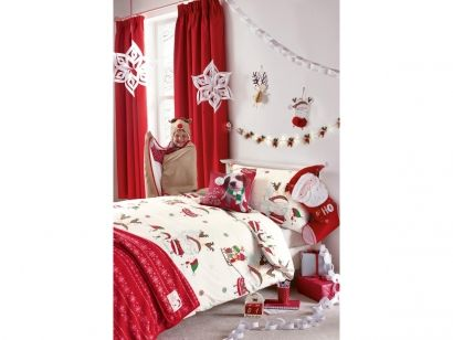 Świąteczna pościel w mikołaje. Idealnie nadaje się żeby wprowadzić świąteczny nastrój do domu, na pewno sprawi dużo radości Twojemu dziecku. Więcej na http://tetex.pl/oferta.php?item_id=4e445978