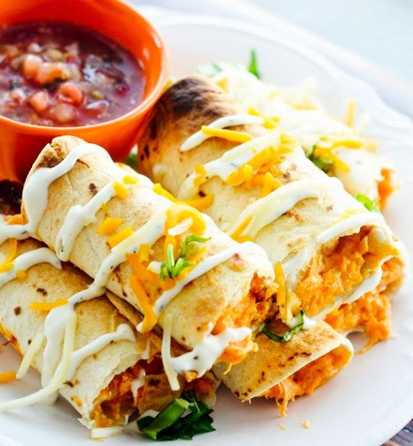Baked Buffalo Chicken Taquitos - 5 Smartpoints | Weight Watchers Recipes