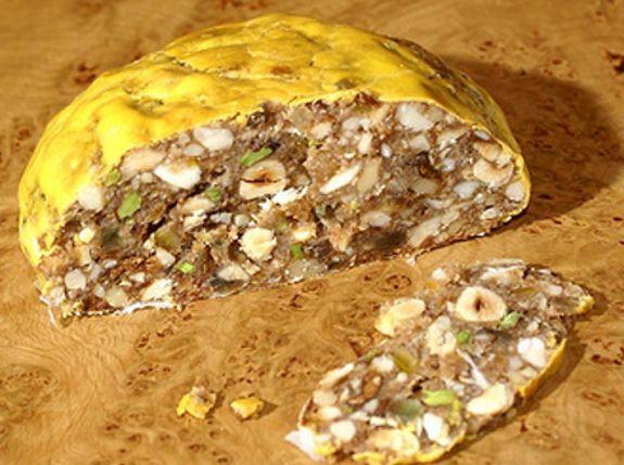 Italy - Lazio - Pangiallo  ll Pangiallo romano è un dolce tipico del Lazio, che ha la sua origine nell'antica Roma dell'età imperiale.