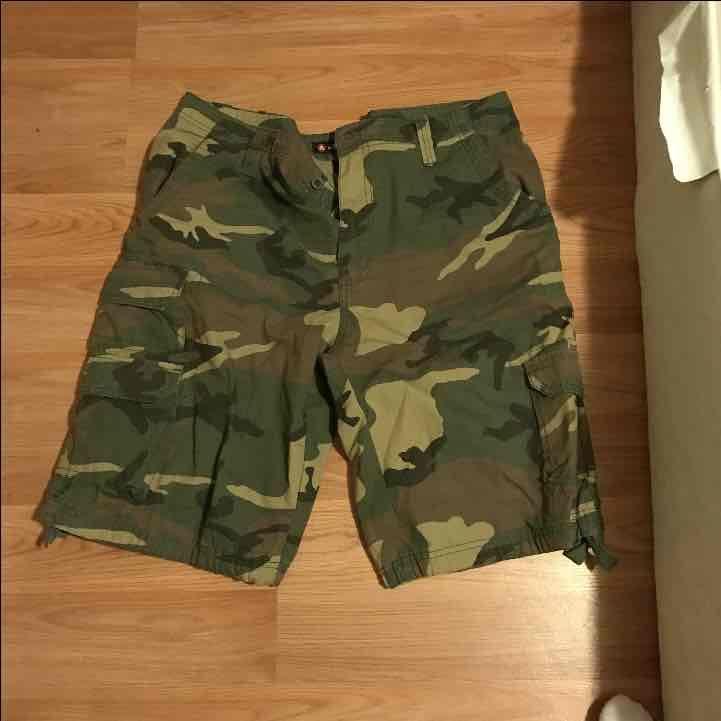 Men's camo shorts - Mercari: Anyone can buy & sell