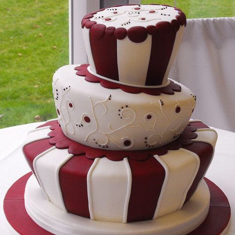 Cake Decorating Ideas Outdoors : 39 best images about 40th anniversary cake on Pinterest ...