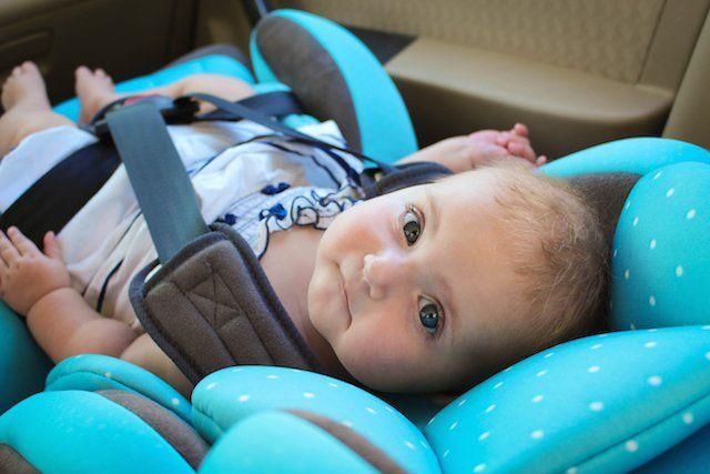Καρεκλάκι αυτοκινήτου αποτελεί κίνδυνο για τα νεογέννητα