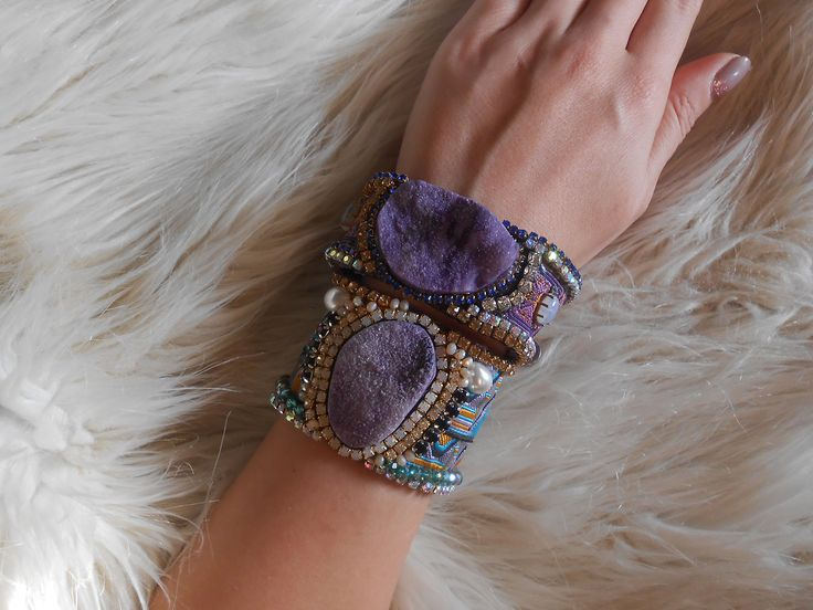 Modern bohemian must have! #bohemian #boho #bohostyle #bohemianstyle #coachella #violet #purple   Take a look here : https://www.etsy.com/uk/listing/481343822/purple-agate-cuff-bracelet-bohemian?ref=related-2