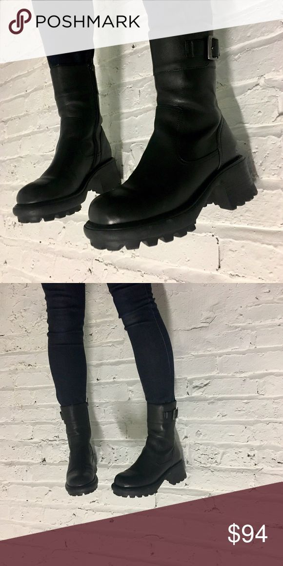 Super Chunky Vintage 90's Sketcher Boots 🖤 Perfect addition to any 🖤 punk/goth/club kid/grunge/industrial closet. Worn once. MINT. %100 Leather with THICK rubber sole. Skechers Shoes Combat & Moto Boots