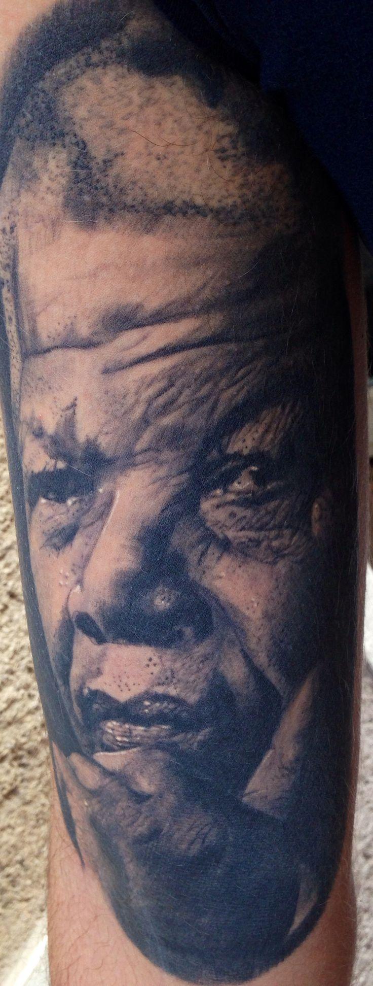 portrait de nelson mandella,  tattoo tatouage par piero la cour des miracles toulouse
