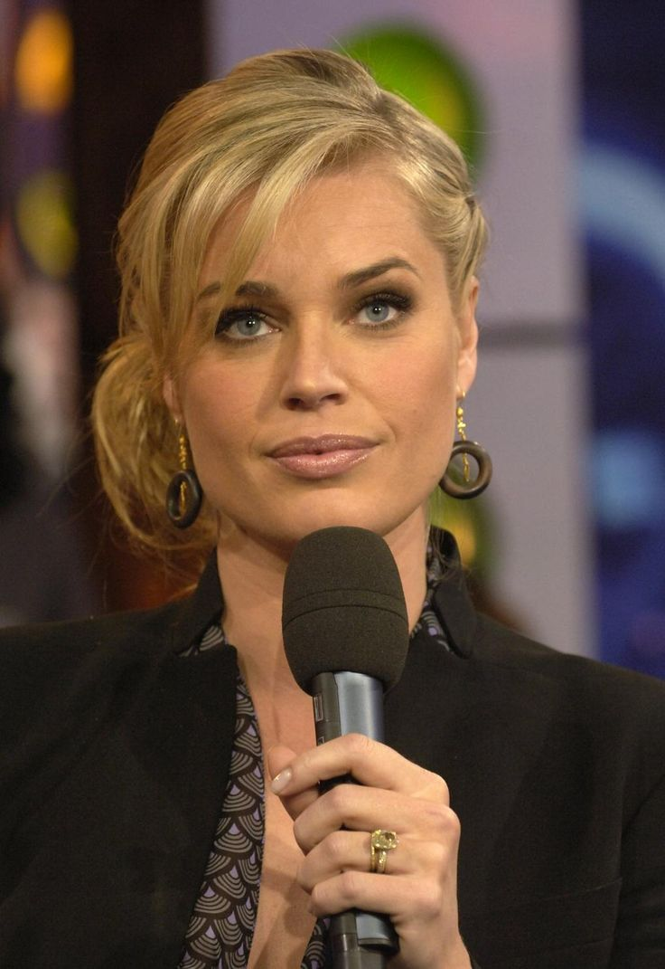 Rebecca Romijn ...... She also was the host of MTV's House of Style from 1998 to 2000.