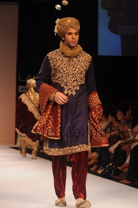 Google Image Result for http://www.stylemeindia.com/wp-content/uploads/2012/08/Shyamal-and-Bhumika-at-Lakme-Fashion-Week-Winter-Festive-2012-17.jpg