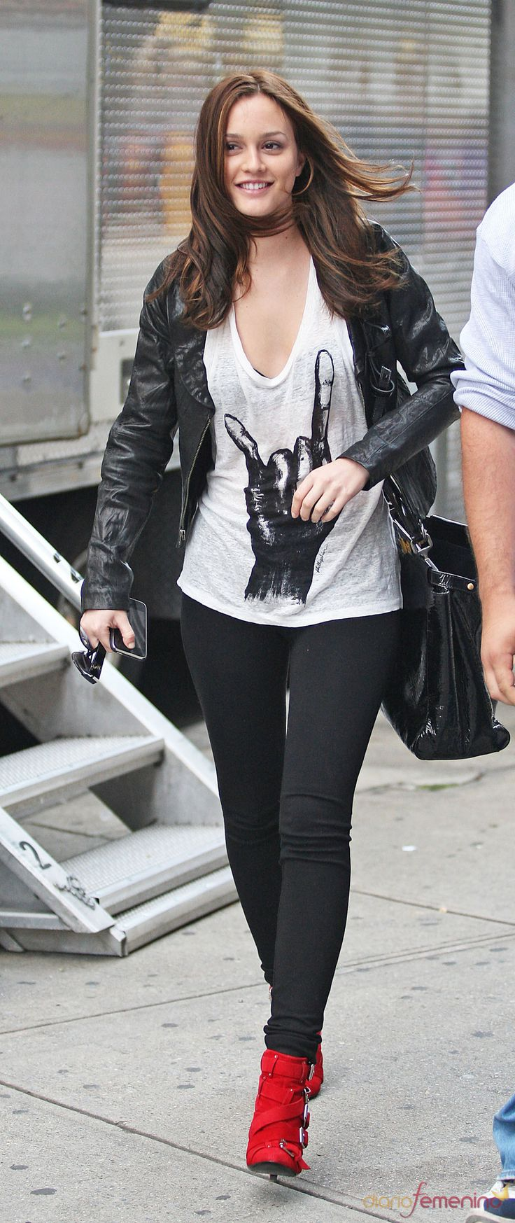 Leighton Meester con look rockero