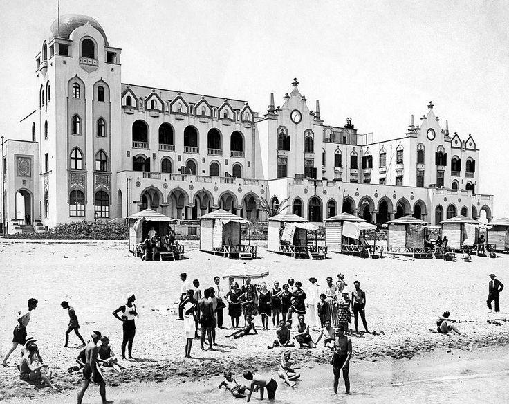 Ρόδος 1920, λουόμενοι στην πλαζ του Ξενοδοχείου των Ρόδων.