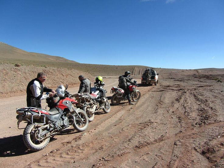Nada como como disfrutar con #MotoAventura de un paseo en #moto por paisajes desolados, llenos de silencio. http://bit.ly/1z712vq