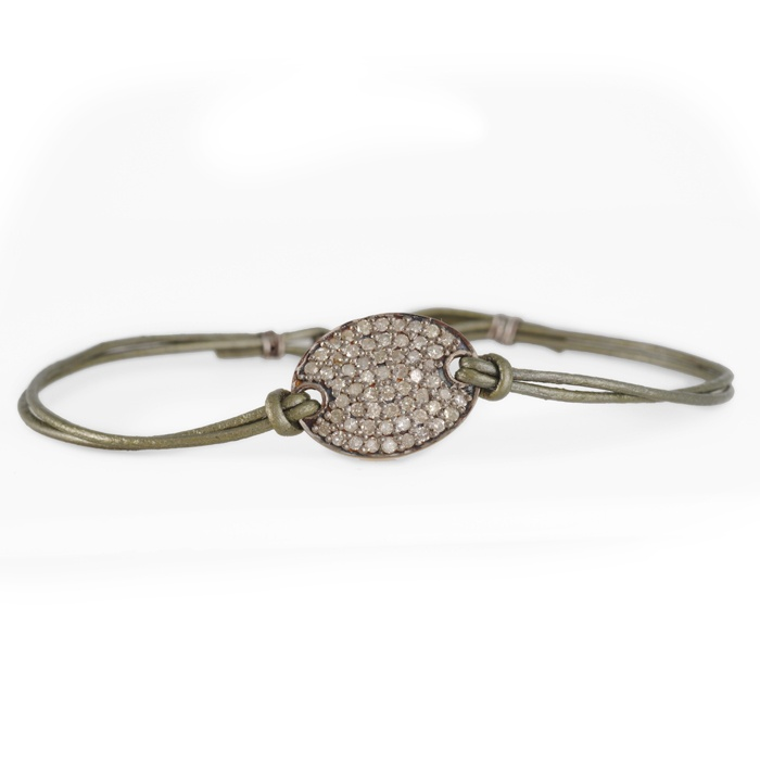 Zoe Chicco oval pave disc & leatherJewelry Zoe, Style, Leather Hot, Jewelry Inspiration, Zoe Chicco, Chicco Oval, Oval Pave, Pave Disc, Leather Bracelets