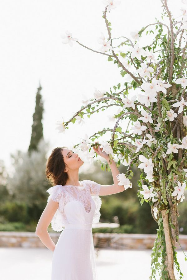 14a - A Chic Botanical Wedding Shoot in Greece