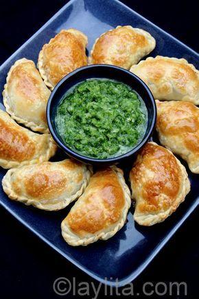 Empanadas de champiñones y queso - Recetas en Español http://recetasdeargentina.com.ar/salsa-blanca/