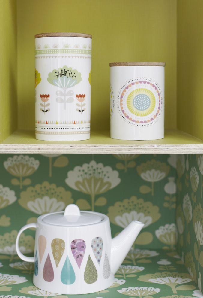 théière et pots en porcelaine - Mini labo pour Atomic soda - photo : Melanie Rodriguez